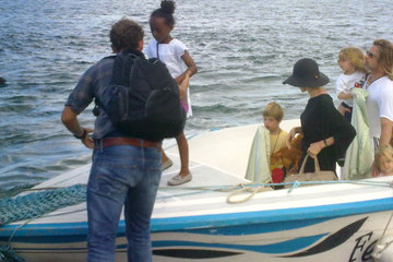 Zahara Jolie-Pitt Brad Pitt & Angelina Jolie Take The Family On A Boat Ride