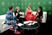 (EDITORIAL USE ONLY. NO COMMERCIAL USE.) (L-R) Jesse Lozano, JoJo Wright, Katy Perry, and  Sisanie attend 102.7 KIIS FM's Jingle Ball 2019 Presented by Capital One at the Forum on December 6, 2019 in Los Angeles, California.