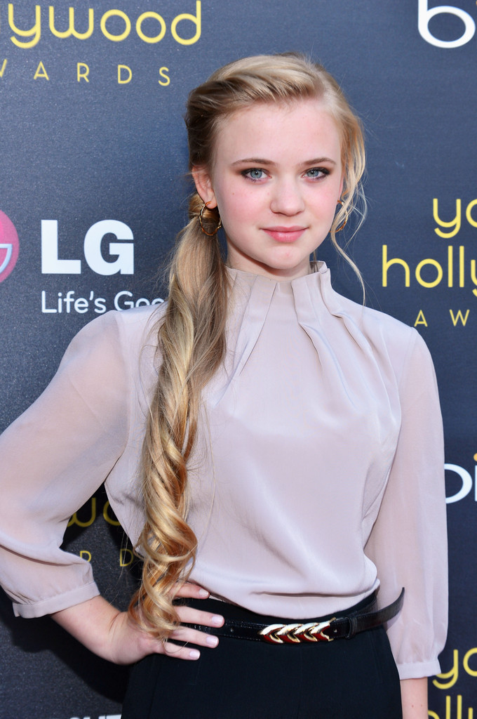 Sierra McCormick Photos Photos 14th Annual Young