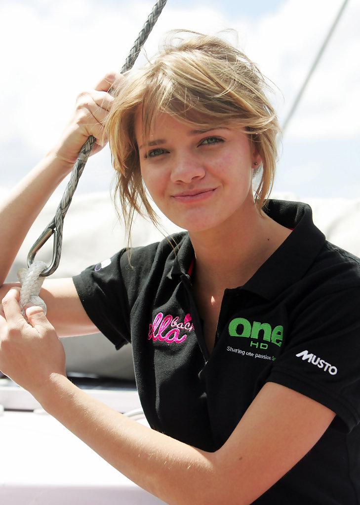 16 Year Old Jessica Watson Launches Solo Round The World