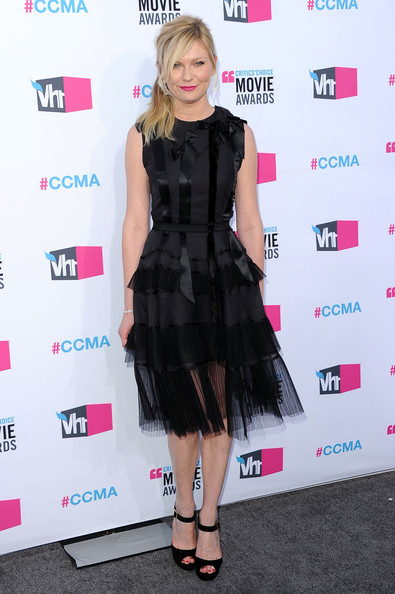 Actress Kirsten Dunst arrives at the 17th Annual Critics' Choice Movie Awards held at The Hollywood Palladium on January 12, 2012 in Los Angeles, California.