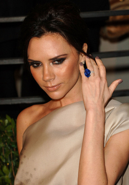 Victoria Beckham Victoria Beckham arrives at the 2010 Vanity Fair Oscar