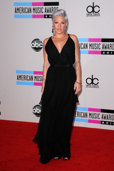 Singer Pink arrives at the 2010 American Music Awards held at Nokia Theatre L.A. Live on November 21, 2010 in Los Angeles, California.