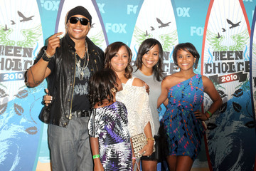 Italia Smith 2010 Teen Choice Awards - Press Room