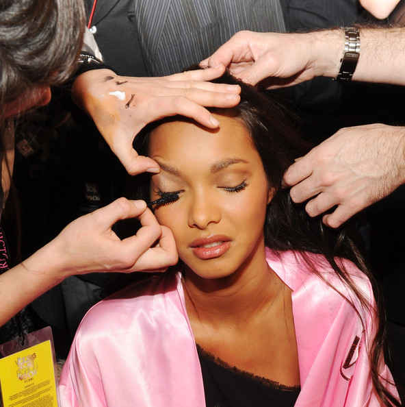 Model Lais Ribeiro backstage before the 2010 Victoria's Secret Fashion