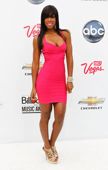 Singer Kelly Rowland arrives at the 2011 Billboard Music Awards at the MGM Grand Garden Arena May 22, 2011 in Las Vegas, Nevada.