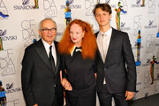 Arthur Elgort (L) and Grace Coddington (C)  pose backstage at the 2011 CFDA Fashion Awards at Alice Tully Hall, Lincoln Center on June 6, 2011 in New York City.