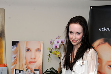 Elyse Levesque 2011 DPA Golden Globes Gift Suite