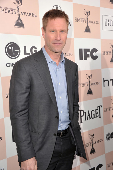 Actor Aaron Eckhart arrives at the 2011 Film Independent Spirit Awards at Santa Monica Beach on February 26, 2011 in Santa Monica, California.