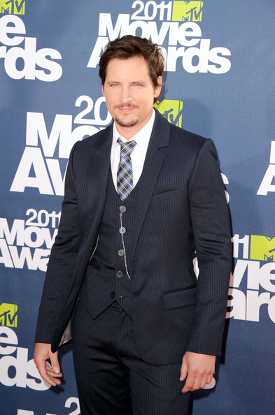Actor Peter Facinelli arrives at the 2011 MTV Movie Awards at Universal Studios' Gibson Amphitheatre on June 5, 2011 in Universal City, California.