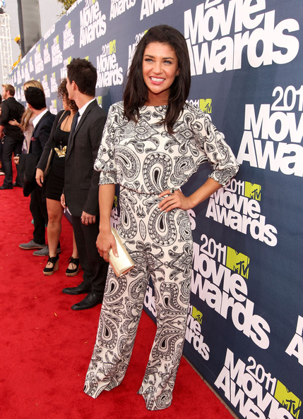 Actress Jessica Szohr arrives at the 2011 MTV Movie Awards at Universal Studios' Gibson Amphitheatre on June 5, 2011 in Universal City, California.