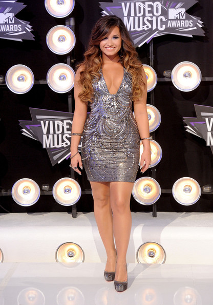 Actress Demi Lovato arrives at the 2011 MTV Video Music Awards at Nokia Theatre L.A. LIVE on August 28, 2011 in Los Angeles, California.