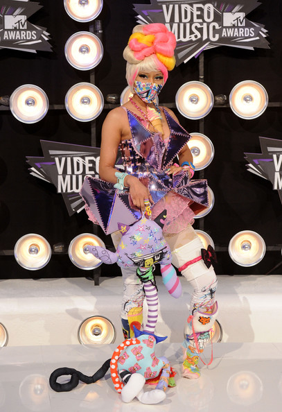 Singer Nicki Minaj arrives at the 2011 MTV Video Music Awards at Nokia Theatre L.A. LIVE on August 28, 2011 in Los Angeles, California.
