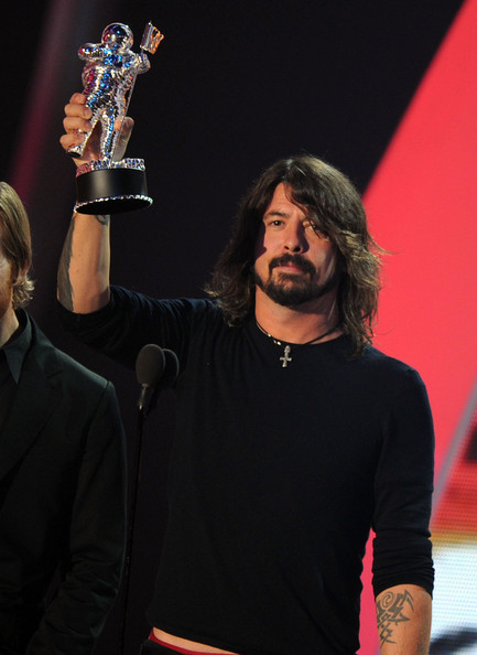 Musician Dave Navarro from Foo Fighters accepts the Best Rock Video award onstage during the 2011 MTV Video Music Awards at Nokia Theatre L.A. LIVE on August 28, 2011 in Los Angeles, California.