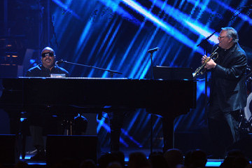 Stevie Wonder Arturo Sandoval 2011 MusiCares Person Of The Year Tribute To Barbra Streisand - Show