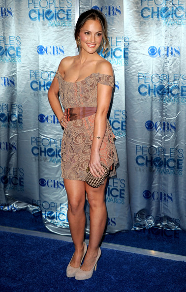 Minka+Kelly in 2011 People's Choice Awards - Arrivals