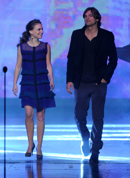 Actress Natalie Portman (L) and actor Ashton Kutcher present the Favorite Movie Award onstage during the 2011 People's Choice Awards at Nokia Theatre L.A. Live on January 5, 2011 in Los Angeles, California.