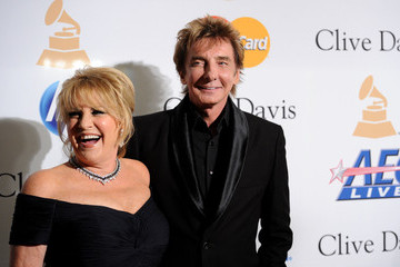 Barry Manilow Lorna Luft 2011 Pre-GRAMMY Gala & Salute To Industry Icons Honoring David Geffen - Arrivals