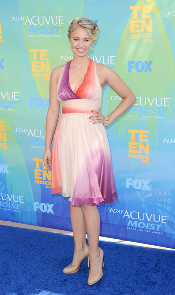 Actress Ayla Kell  arrives at the 2011 Teen Choice Awards held at the Gibson Amphitheatre on August 7, 2011 in Universal City, California.