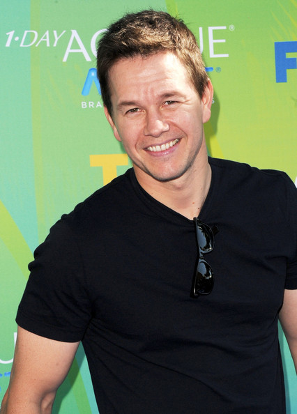 Actor Mark Wahlberg arrives at the 2011 Teen Choice Awards held at the Gibson Amphitheatre on August 7, 2011 in Universal City, California.