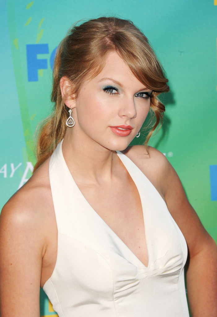 Taylor Swift In 2011 Teen Choice Awards