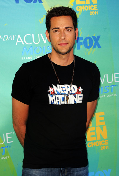 Actor Zachary Levi arrives at the 2011 Teen Choice Awards held at the Gibson Amphitheatre on August 7, 2011 in Universal City, California.