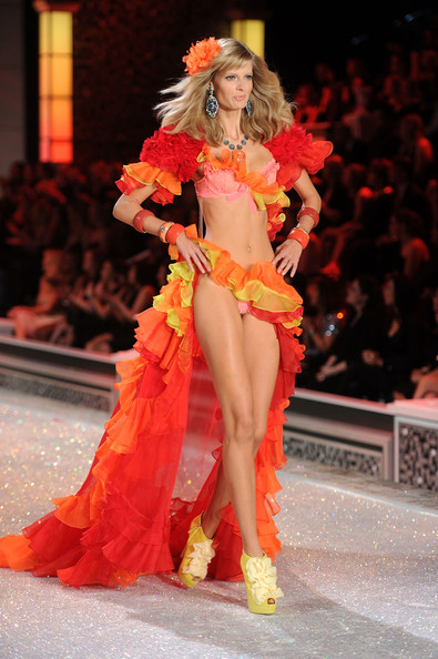 Model Julia Stegner walks the runway during the 2011 Victoria's Secret Fashion Show at the Lexington Avenue Armory on November 9, 2011 in New York City.