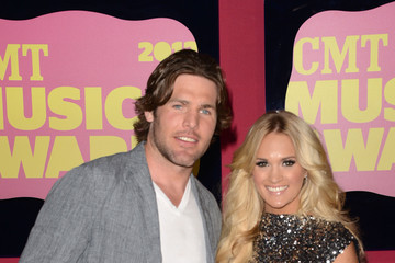 Mike Fisher Carrie Underwood 2012 CMT Music Awards - Arrivals