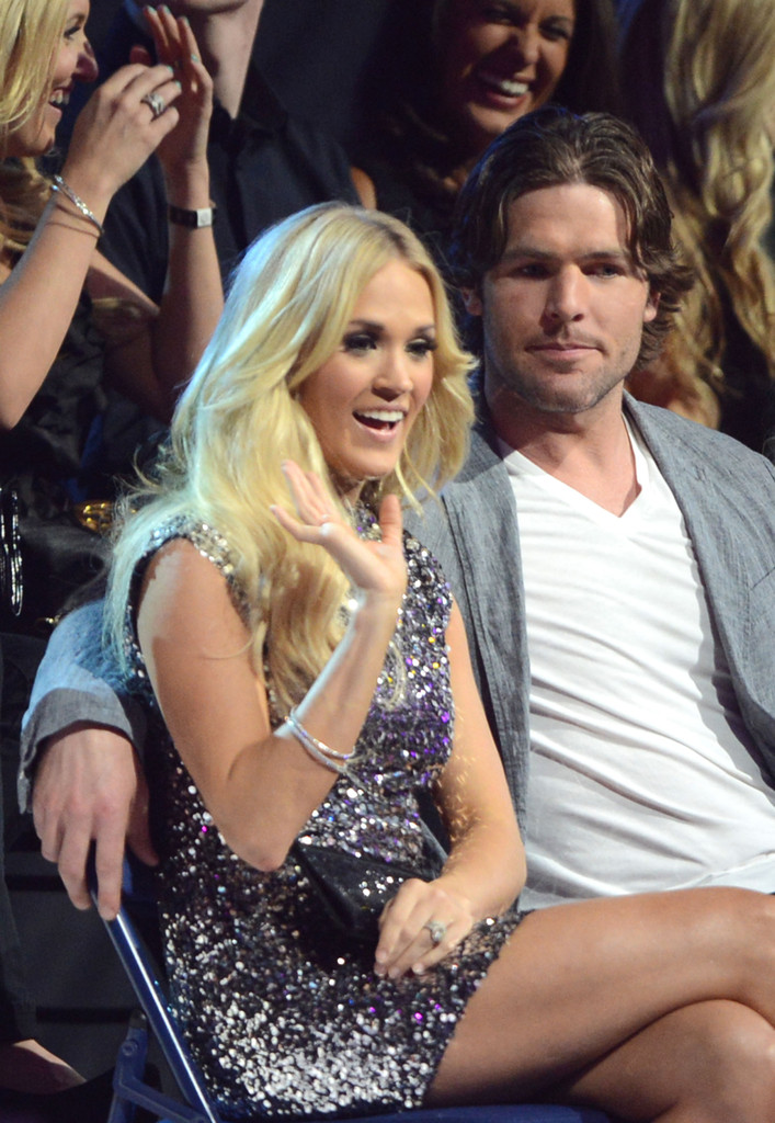 Mike fisher carrie underwood photos 2012 cmt music for Who is carrie underwood married too