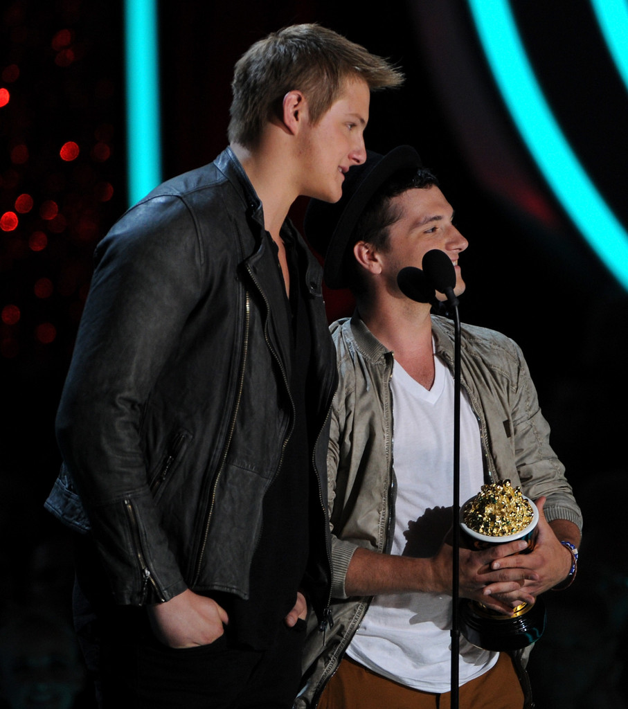 Alexander Ludwig Photos Photos - 2012 MTV Movie Awards ...