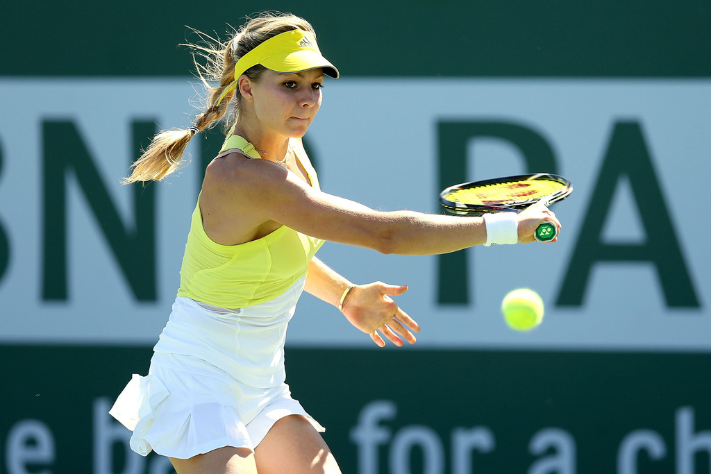 maria sharapova agnieszka radwanska survive on day 5 of 2013 bnp paribas open indian wells. Black Bedroom Furniture Sets. Home Design Ideas