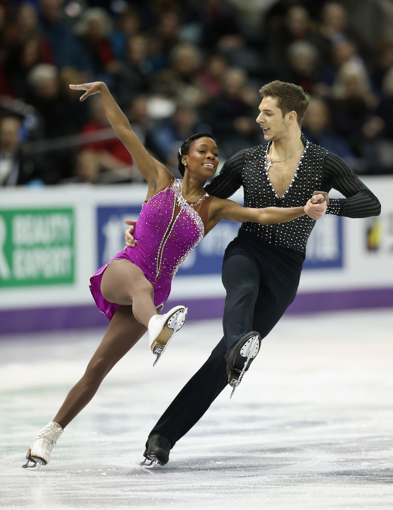 pairs figure skaters dating Vanessa james (born 27 september 1987) is a canadian-born bermudian-french pair skater  her twin sister, melyssa james, has also competed in figure skating.