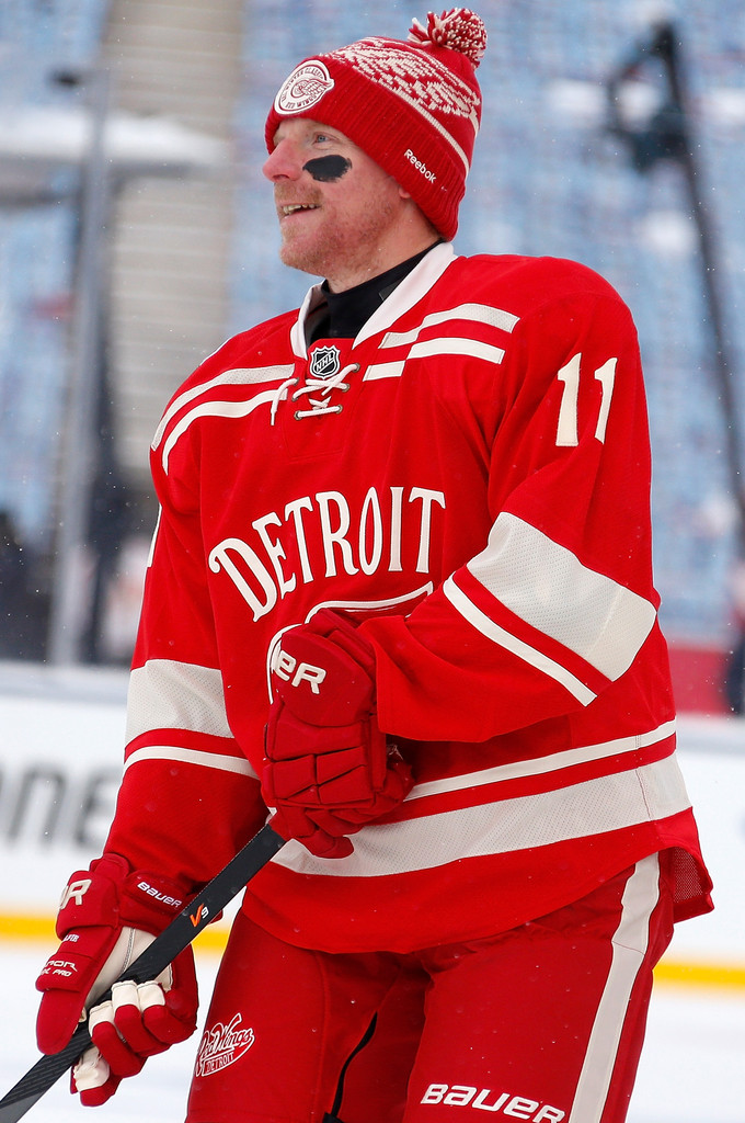 ... Wings 14 NYQUISI Red Stitched Jersey Daniel Alfredsson in Bridgestone  NHL Winter Classic Team Practice Sessions - Zimbio ... 34cfd7113