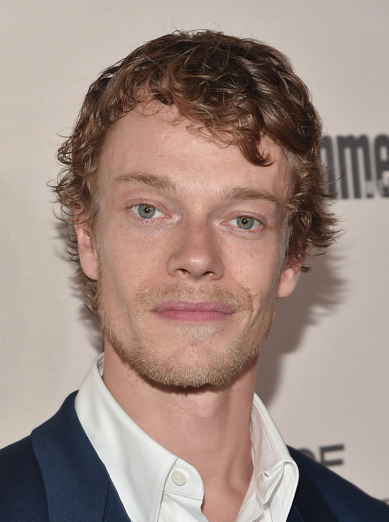 Alfie Allen Nude Photos 22