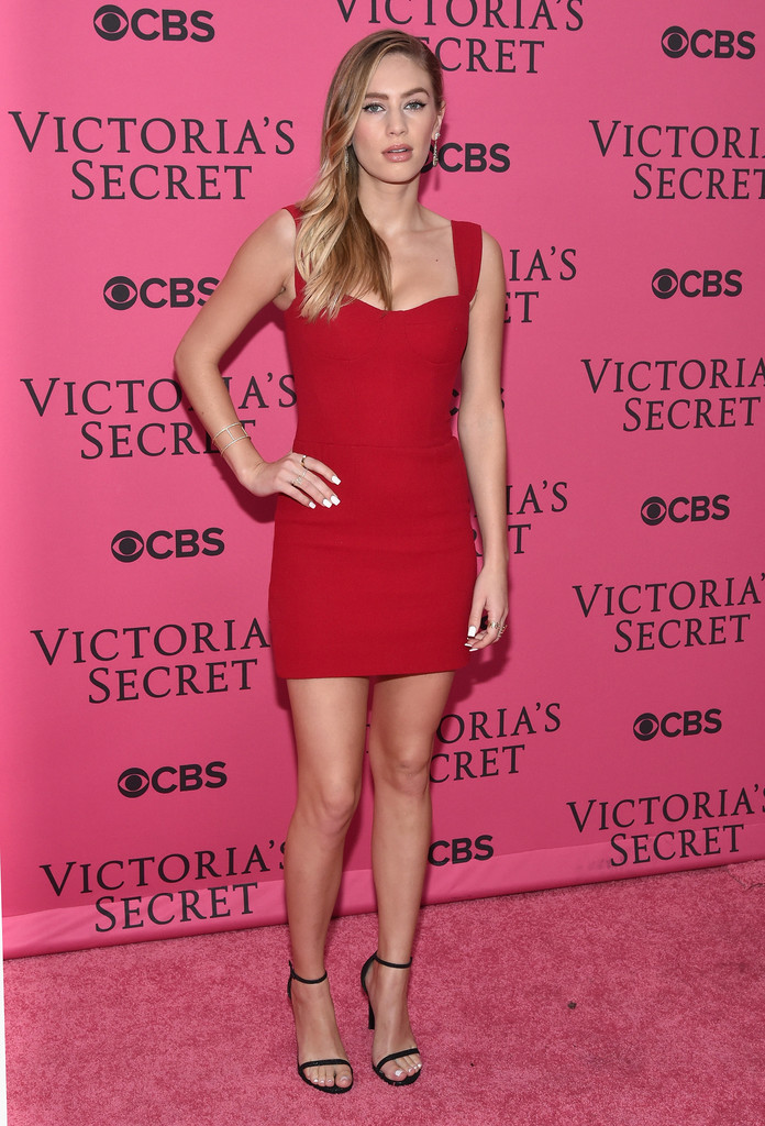 2015 victoria 39 s secret fashion show pink carpet arrivals zimbio Style me pink fashion show
