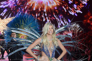 Devon Windsor - The Looks We Loved from the 2015 Victoria's Secret Fashion Show
