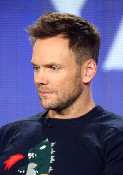 joel mchale height