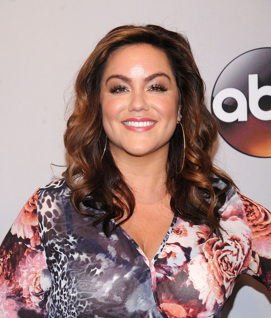 Katy Mixon Photos - 2016 ABC Upfront - 75 of 210 - Zimbio Katy Mixon