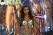 Jasmine Tookes walks the runway during the 2016 Victoria's Secret Fashion Show on November 30, 2016 in Paris, France.