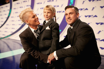 People Could Not Get Enough of Pink and Her Daughter's Matching Suits at the MTV VMAs