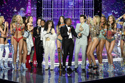 (L-R) Models Stella Maxwell, Elsa Hosk, Lily Aldridge, Alessandra Ambrosio, musician Li Yundi, singers Miguel, Jane Zhang, model Adriana Lima, singers Leslie Odom Jr., Harry Styles, models Romee Strijd, Jasmine Tookes and Taylor Hill perform on the runway during the 2017 Victoria's Secret Fashion Show In Shanghai at Mercedes-Benz Arena on November 20, 2017 in Shanghai, China.