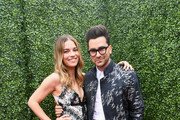 Actors Annie Murphy (L) and Dan Levy attend the 2018 MTV Movie And TV Awards at Barker Hangar on June 16, 2018 in Santa Monica, California.