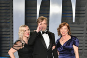 (L-R) Chelsea Hamill, Mark Hamill and Marilou York attend the 2018 Vanity Fair Oscar Party hosted by Radhika Jones at Wallis Annenberg Center for the Performing Arts on March 4, 2018 in Beverly Hills, California.