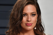 Ashley Graham attends the 2019 Vanity Fair Oscar Party hosted by Radhika Jones at Wallis Annenberg Center for the Performing Arts on February 24, 2019 in Beverly Hills, California.