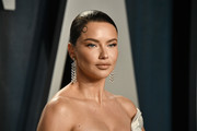 Adriana Lima attends the 2020 Vanity Fair Oscar Party hosted by Radhika Jones at Wallis Annenberg Center for the Performing Arts on February 09, 2020 in Beverly Hills, California.