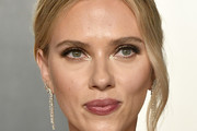 Scarlett Johansson attends the 2020 Vanity Fair Oscar Party hosted by Radhika Jones at Wallis Annenberg Center for the Performing Arts on February 09, 2020 in Beverly Hills, California.