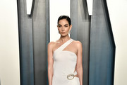 Lily Aldridge attends the 2020 Vanity Fair Oscar Party hosted by Radhika Jones at Wallis Annenberg Center for the Performing Arts on February 09, 2020 in Beverly Hills, California.