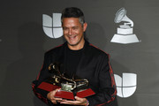 Alejandro Sanz Photos Photo