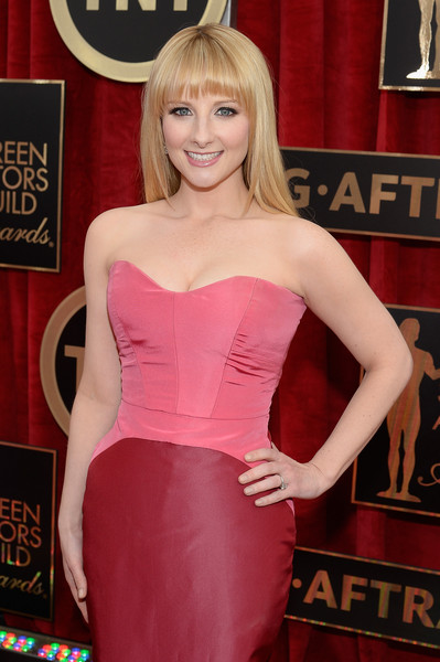 Image result for melissa rauch red carpet