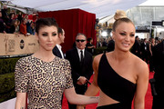 Actors Briana Cuoco (L) and Kaley Cuoco attend The 22nd Annual Screen Actors Guild Awards at The Shrine Auditorium on January 30, 2016 in Los Angeles, California. 25650_014